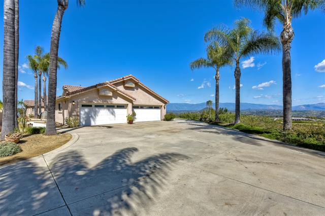 28614 Rolling Rock Road, Escondido, CA 92026 (#190014132) :: Pugh | Tomasi & Associates