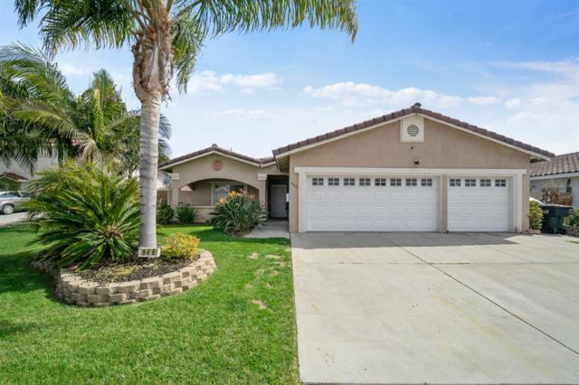 946 Cedar Ave, Chula Vista, CA 91911 (#190015385) :: Allison James Estates and Homes
