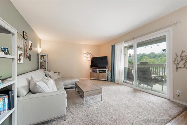 8561 Villa La Jolla Dr C, La Jolla, CA 92037 (#190025815) :: Farland Realty