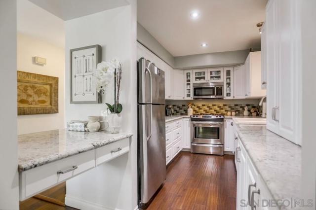 7512 Viejo Castilla #16, Carlsbad, CA 92009 (#190026537) :: Neuman & Neuman Real Estate Inc.