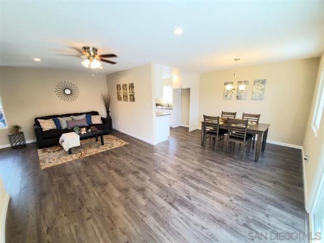 448 Parkbrook St, Spring Valley, CA 91977 (#190027498) :: Farland Realty