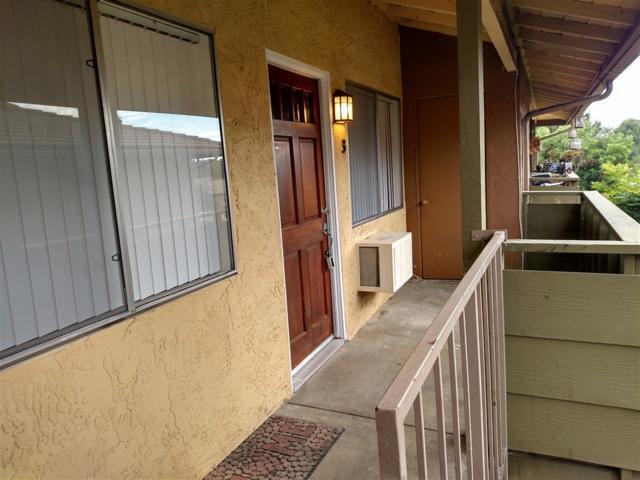 2041 E Grand Ave #53, Escondido, CA 92027 (#190032927) :: Coldwell Banker Residential Brokerage
