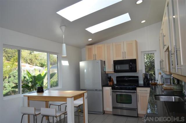 3366 Karok Ave, San Diego, CA 92117 (#190033386) :: Keller Williams - Triolo Realty Group