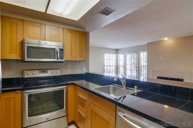 3995 Hortensia St G4, San Diego, CA 92110 (#190033896) :: Coldwell Banker Residential Brokerage