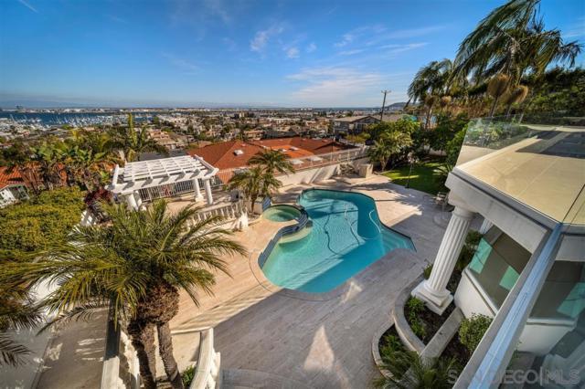 1311 Plum St, San Diego, CA 92106 (#190035347) :: Neuman & Neuman Real Estate Inc.