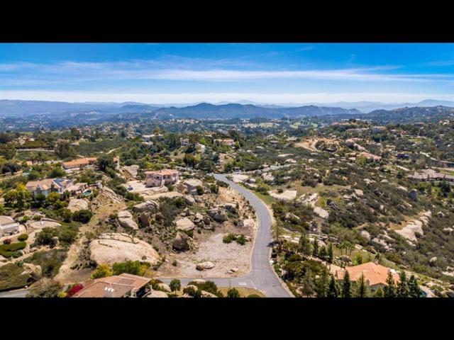 Meadow Glen Way W. #56, Escondido, CA 92026 (#190038933) :: Keller Williams - Triolo Realty Group