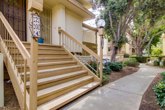 2640 Worden St #204, San Diego, CA 92110 (#190040610) :: Neuman & Neuman Real Estate Inc.
