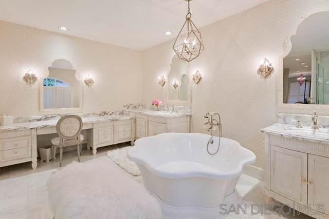 7410 Avenida De Palais, Carlsbad, CA 92009 (#190043280) :: Neuman & Neuman Real Estate Inc.