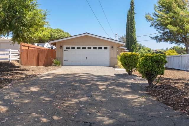 2458 Hummingbird Hill Ln, Fallbrook, CA 92028 (#190044661) :: Whissel Realty