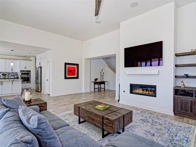 8937 Trailridge Ave, Santee, CA 92071 (#190049221) :: Whissel Realty