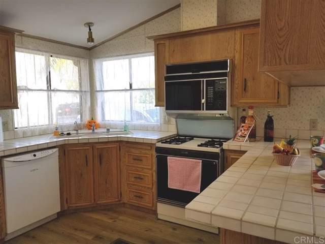 1194 Via Santa Paulo, Vista, CA 92081 (#190056357) :: Neuman & Neuman Real Estate Inc.