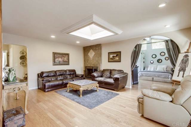 9542 Markwood Dr, Santee, CA 92071 (#190062571) :: SunLux Real Estate