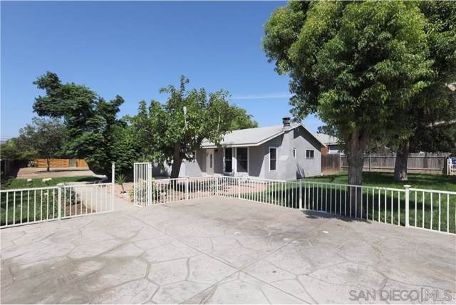 10404 Park Ave, Santee, CA 92071 (#190063448) :: Whissel Realty