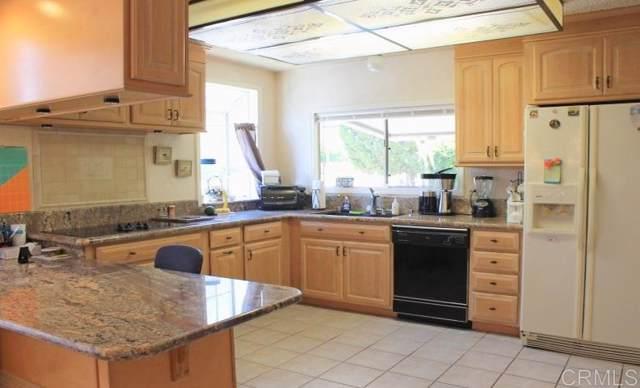 8975 Lawrence Welk Dr. #357, Escondido, CA 92026 (#190066146) :: Neuman & Neuman Real Estate Inc.