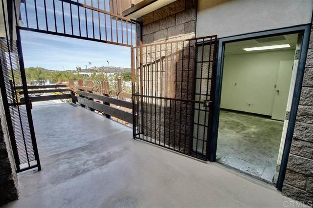 910 E Ohio Avenue, Suite 204B, Escondido, CA 92025 (#200005003) :: Coldwell Banker West