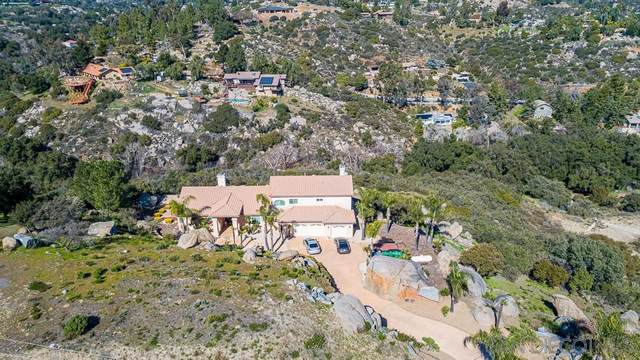 3325 Via Viejas Oeste, Alpine, CA 91901 (#200007752) :: Keller Williams - Triolo Realty Group