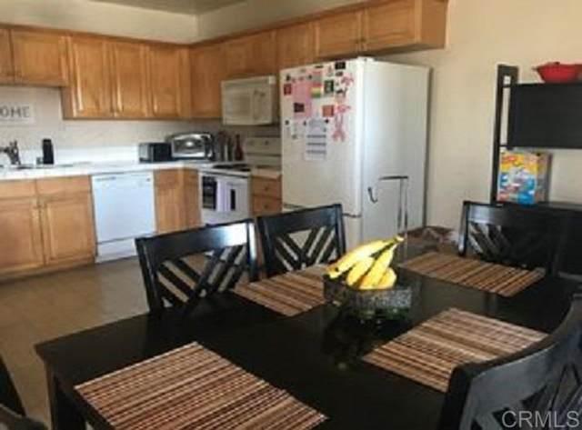 535 N Beech St #18, Escondido, CA 92025 (#200010034) :: Neuman & Neuman Real Estate Inc.