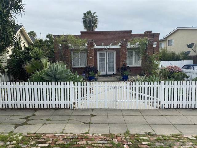 3043 Ivy St, San Diego, CA 92104 (#200013941) :: The Yarbrough Group