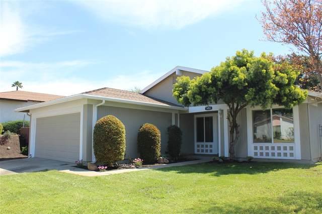 1451 Manzanita, Escondido, CA 92027 (#200016308) :: Neuman & Neuman Real Estate Inc.