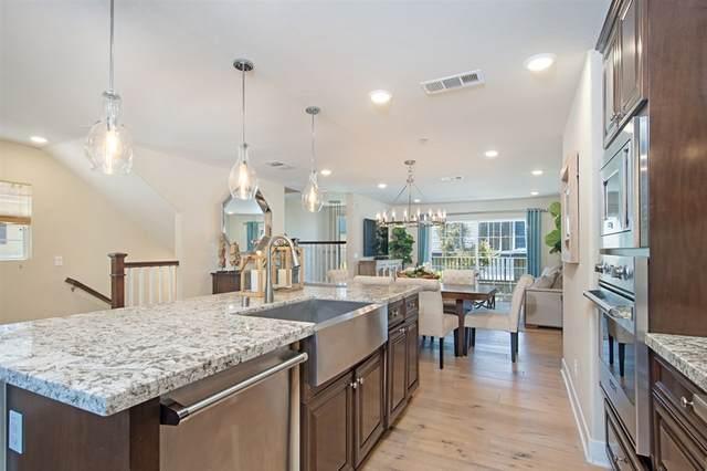 2402 Torrey Pines Rd #120, La Jolla, CA 92037 (#200021905) :: Farland Realty