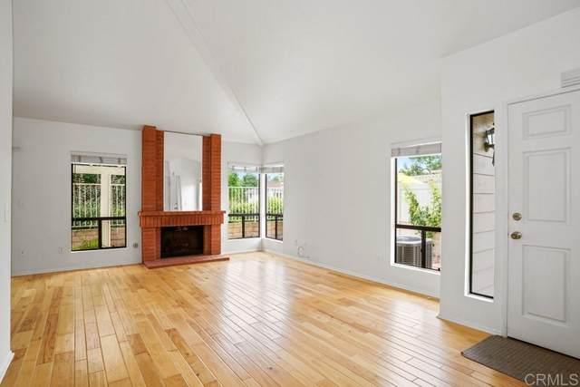 954 Prestwick Ct, Vista, CA 92081 (#200025970) :: Solis Team Real Estate