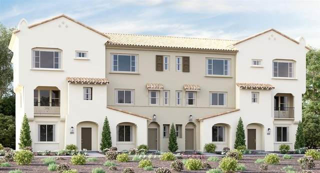 1574 Fortaleza Way #2, Vista, CA 92081 (#200028411) :: Neuman & Neuman Real Estate Inc.