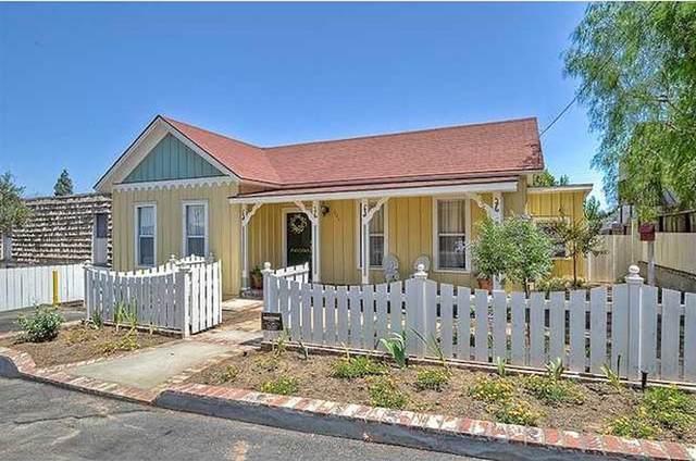 321 N Pico Ave, Fallbrook, CA 92028 (#200031526) :: Compass