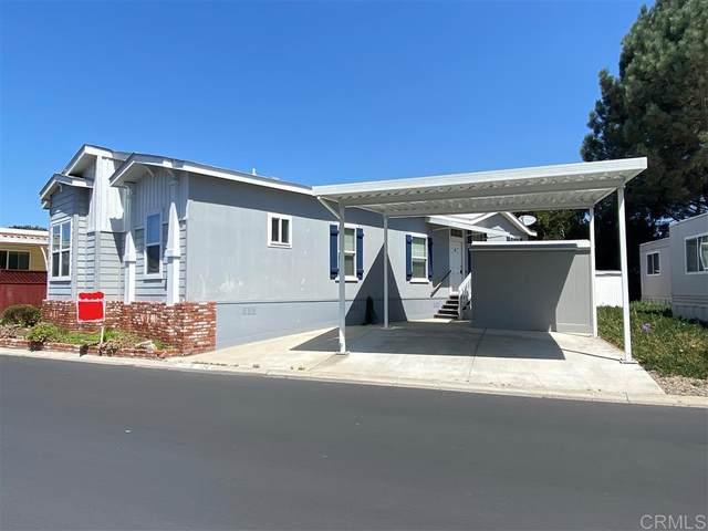 2130 Sunset #136, Vista, CA 92081 (#200032134) :: Tony J. Molina Real Estate