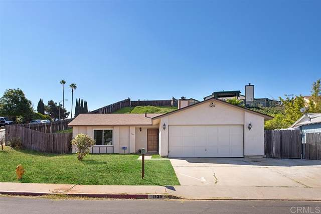 1539 Kent Ave, Escondido, CA 92027 (#200038829) :: Whissel Realty