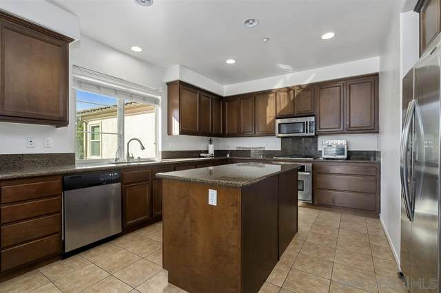 2205 Andalusia Ln #6, Chula Vista, CA 91915 (#200044924) :: Neuman & Neuman Real Estate Inc.