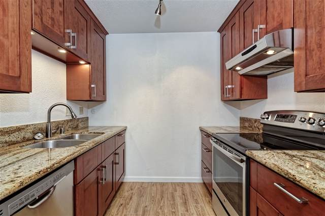 7875 Camino Glorita, San Diego, CA 92122 (#200045790) :: Tony J. Molina Real Estate