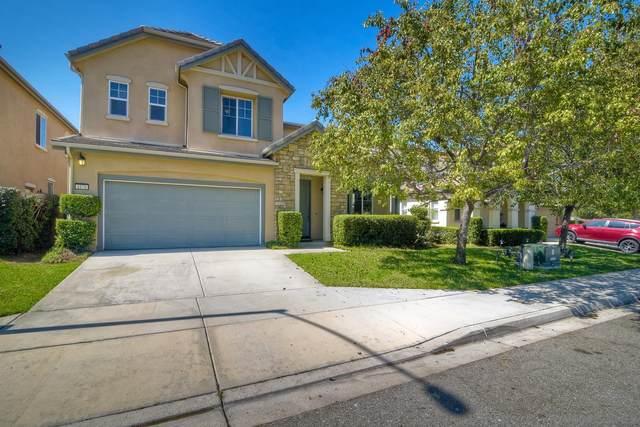 4176 Lake Circle Dr, Fallbrook, CA 92028 (#200046469) :: SunLux Real Estate