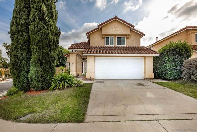 1577 Promontory Ridge Way, Vista, CA 92081 (#200049801) :: Solis Team Real Estate