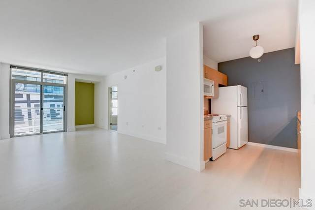 425 W Beech St #410, San Diego, CA 92101 (#210001325) :: SunLux Real Estate