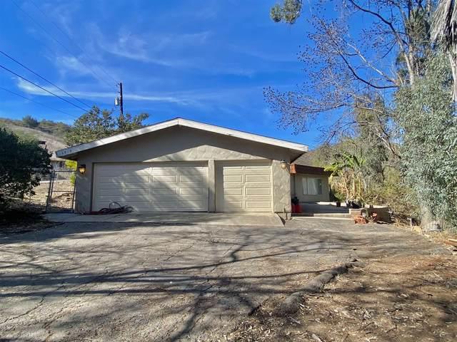 10910 James Hill Dr, Lakeside, CA 92040 (#210001334) :: Solis Team Real Estate