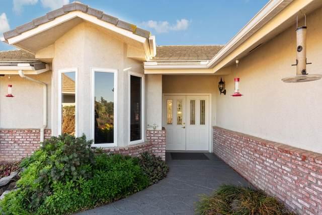 9129 El Cerro Dr, Lakeside, CA 92040 (#210005069) :: Neuman & Neuman Real Estate Inc.