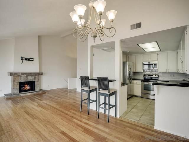 2343 Caringa Way #4, Carlsbad, CA 92009 (#210009294) :: Neuman & Neuman Real Estate Inc.