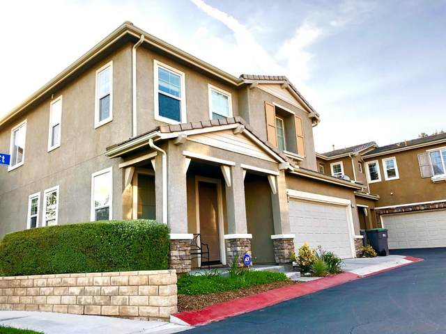 26077 Medici Court, Santa Clarita, CA 91350 (#210009615) :: SunLux Real Estate