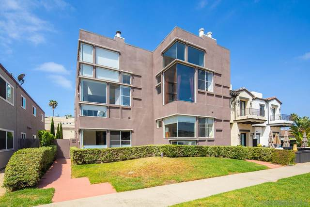 3952 Honeycutt, San Diego, CA 92109 (#210010404) :: Wannebo Real Estate Group