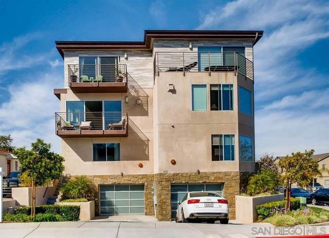 3104 Avenida De Portugal, San Diego, CA 92106 (#210011835) :: Dannecker & Associates