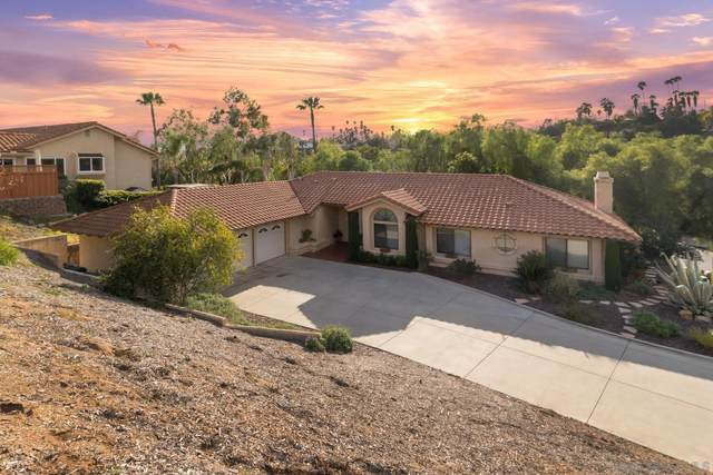 2930 Cantegra Gln, Escondido, CA 92025 (#210012622) :: The Legacy Real Estate Team