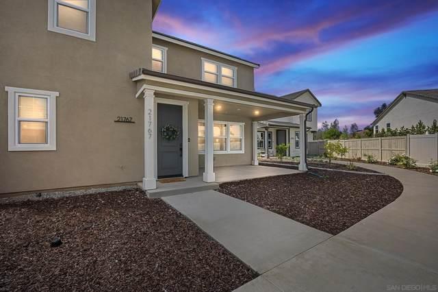 21767 Deer Grass Dr, Escondido, CA 92029 (#210013503) :: SunLux Real Estate