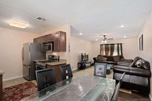 240 W W Lincoln Ave #41, Escondido, CA 92026 (#210014538) :: Keller Williams - Triolo Realty Group