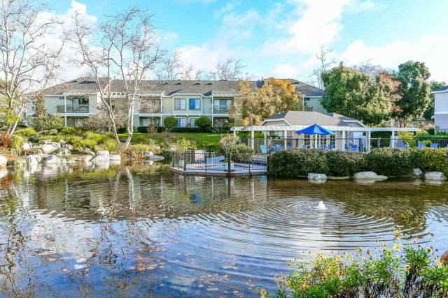 12221 Carmel Vista Rd #203, San Diego, CA 92130 (#210015292) :: SunLux Real Estate