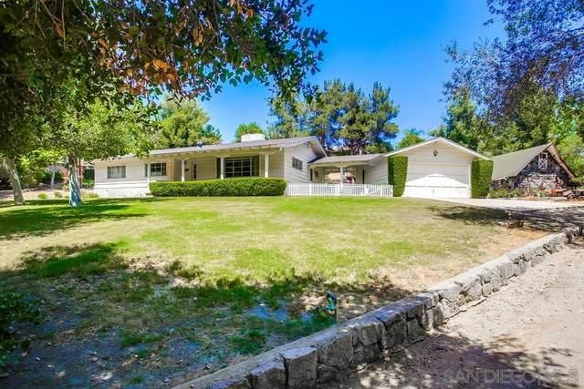 455 Bear Valley Pkwy, Escondido, CA 92025 (#210015427) :: PURE Real Estate Group