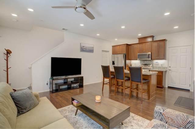 1520 Victory Ln #5, Chula Vista, CA 91915 (#210015626) :: Neuman & Neuman Real Estate Inc.