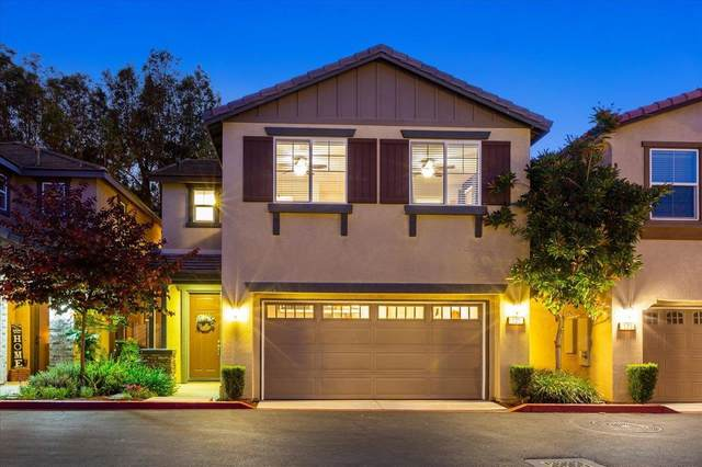525 Moonlight Dr, San Marcos, CA 92069 (#210015680) :: Neuman & Neuman Real Estate Inc.