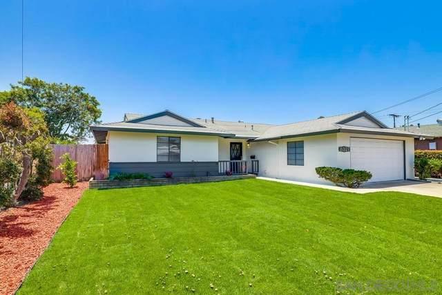 8321 Beaver Lake Dr, San Diego, CA 92119 (#210015860) :: Keller Williams - Triolo Realty Group