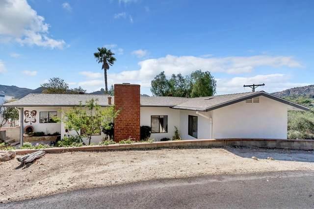 25751 Hillcrest Ave, Escondido, CA 92026 (#210016167) :: Neuman & Neuman Real Estate Inc.