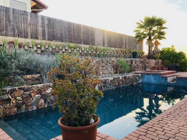 925 Moody, Escondido, CA 92027 (#210016913) :: Neuman & Neuman Real Estate Inc.